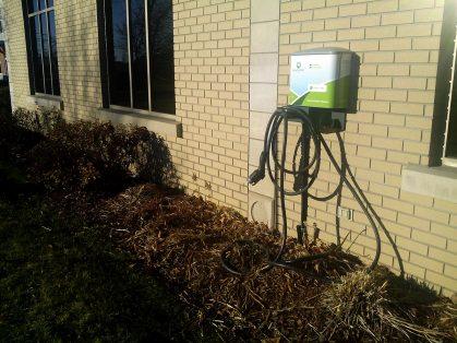 Melimax propose une borne de recharge électrique pour les voitures hybrides !
